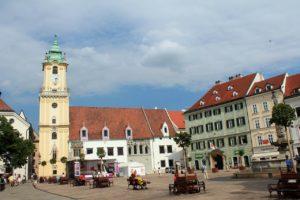 Ako je to s bývaním v Bratislave?